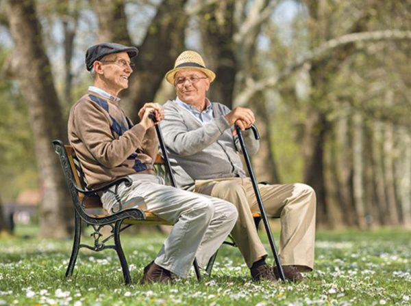 A több mint kétmillió öregségi nyugellátásban részesülő közül mindössze 250 ezren kapnak 200 ezer forintnál magasabb összeget. Fotó: Shutterstock
