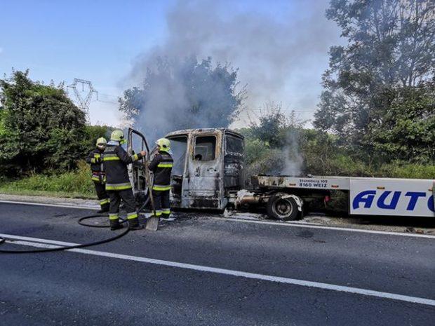 A tűzoltók gyorsan eloltották a tüzet