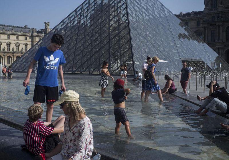 Párizsban a múlt csütörtökön megdőlt a több mint hetvenéves abszolút melegrekord 41 fokkal. Fotó: Richmond Times