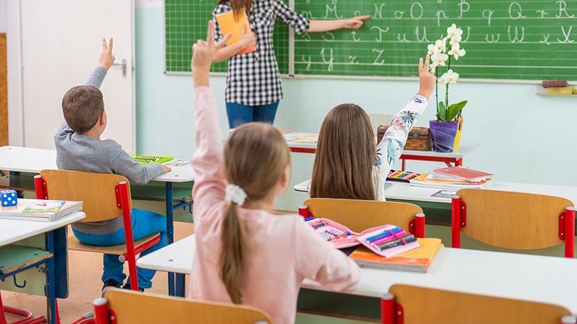 A jó oktatás alapja a bizalom légköre. A tervezett törvénymódosítás épp ezt a bizalmat rombolja tovább. Képünk illusztráció