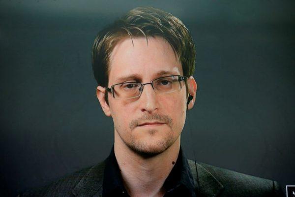 Edward Snowden  egy videokonferencián 2016-ban. Fotó: Brendan McDermid/Reuters