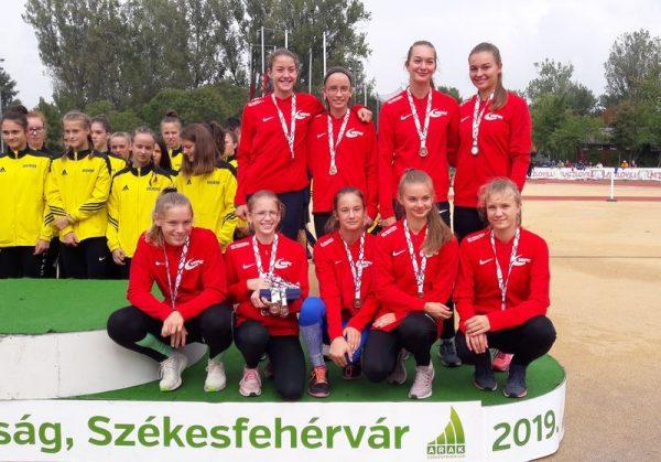 A VEDAC-os serdülő lányok. Fotó: VEDAC