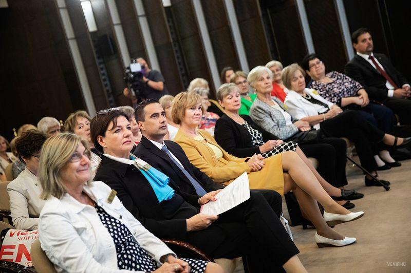 A veszprémi ZONTA Club nemrégiben ünnepelte megalakulásának 25. évfordulóját. Fotó: veszprem.hu
