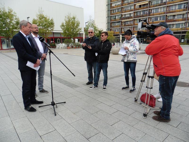 Az ellenzéki képviselőjelöltek  választókerületi tanácsokkal és részvételi költségvetés bevezetésével szeretnék bevonni a lakosságot a városról szóló döntések meghozatalába. Fotó: a szerző