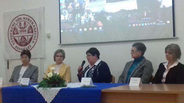 A VENŐKE kerekasztal-beszélgetést is rendezett a női helytállás napja alkalmából