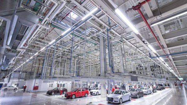 """Magyarország gazdasága két dolog miatt """"dübörög"""": az EU-s kohéziós támogatásoknak, valamint a német és japán autóiparnak köszönhetően. Fotó: Audi"""