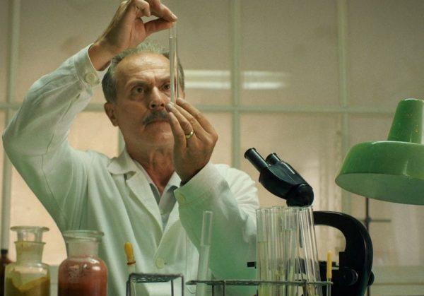 Dr. Béres Józsefet Gáspár Sándor játssza a filmben