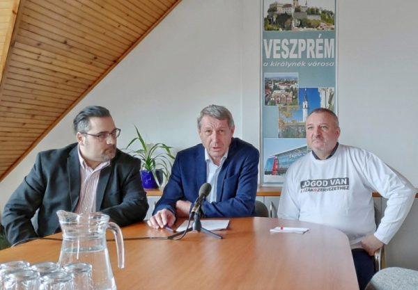 Guzslován Gábor, Hartmann Ferenc, Komjáthy Imre. (Fotó: vehir.hu)