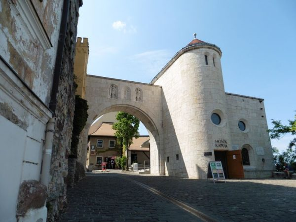 """Az egyik """"célpont"""" a vár. Fotó: Veszprém Kukac archív"""