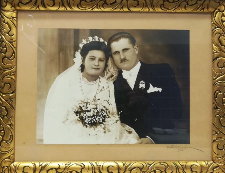 Egy esküvői fotó a kiállítottak közül
