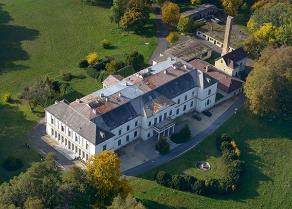 A dobai Erdődy-kastély. Ki nézte ki magának?