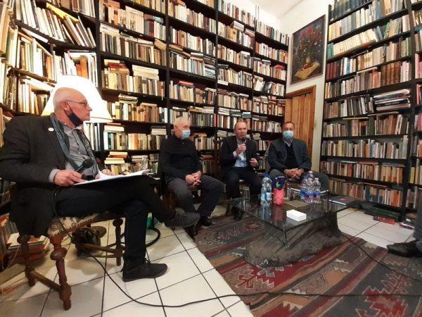 A beszélgetés résztvevői balról jobbra: Krámer György, Maróti Rezső, Porga Gyula, Dióssy László. Fotók: a szerző