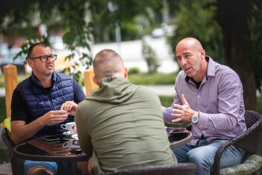 A képen balról Tombor Csaba, jobbról Éles József. Fotó: Simon Dániel