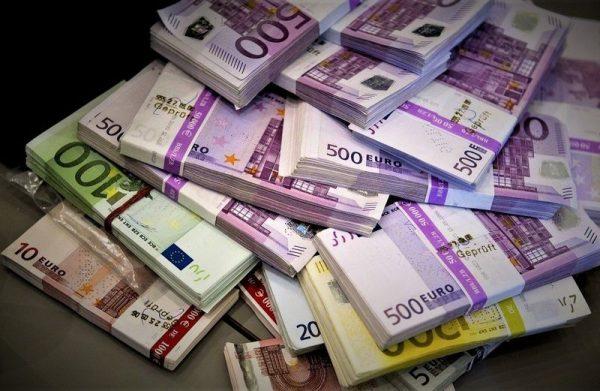 A különböző uniós források, amelyekről az Orbán-kormány akár kész lemondani is, éppen a válság miatt nehéz helyzetbe kerül munkavállalók, vállalkozások megsegítésére szolgálnának. Fotó: pixabay.com