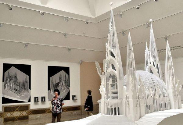 A Makovecz-katedrális makettje a tervező életművét bemutató 2014-es kiállításon. Fotó: MTI/Balaton József