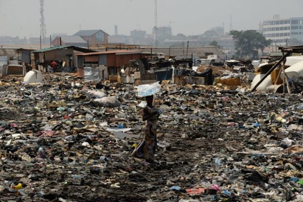 Huladéklerakó Afrikában